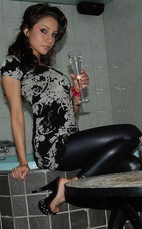 Junge Frau (26) sucht private Sexkontakte